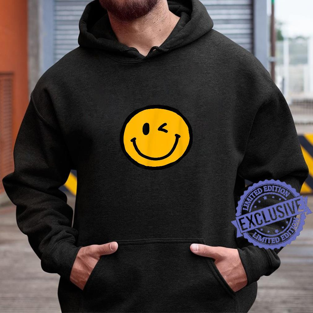 Retro Vibe Winking Smiley Face Happy Face Wink Shirt hoodie